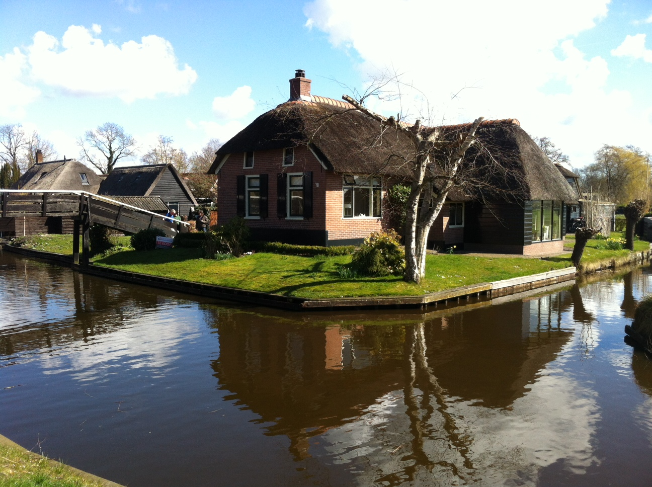Enjoy your visit to Giethoorn!
