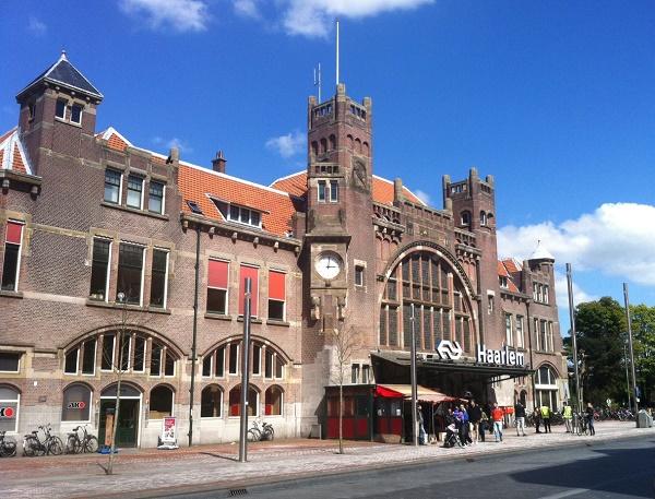 Haarlem railway station