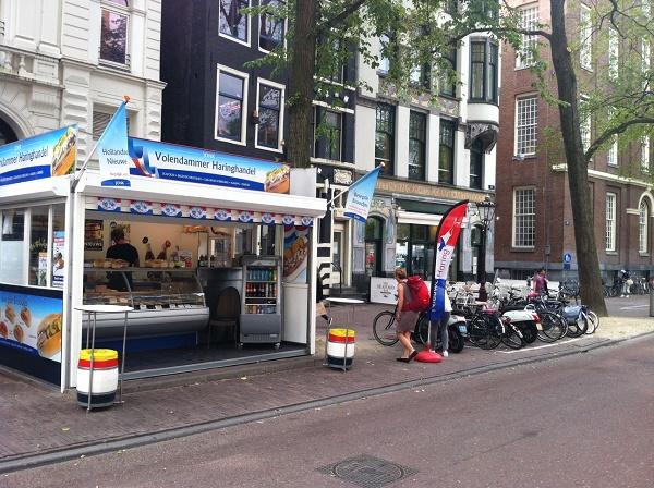 Volendammer Haringhandel. Spui 7, Amsterdam