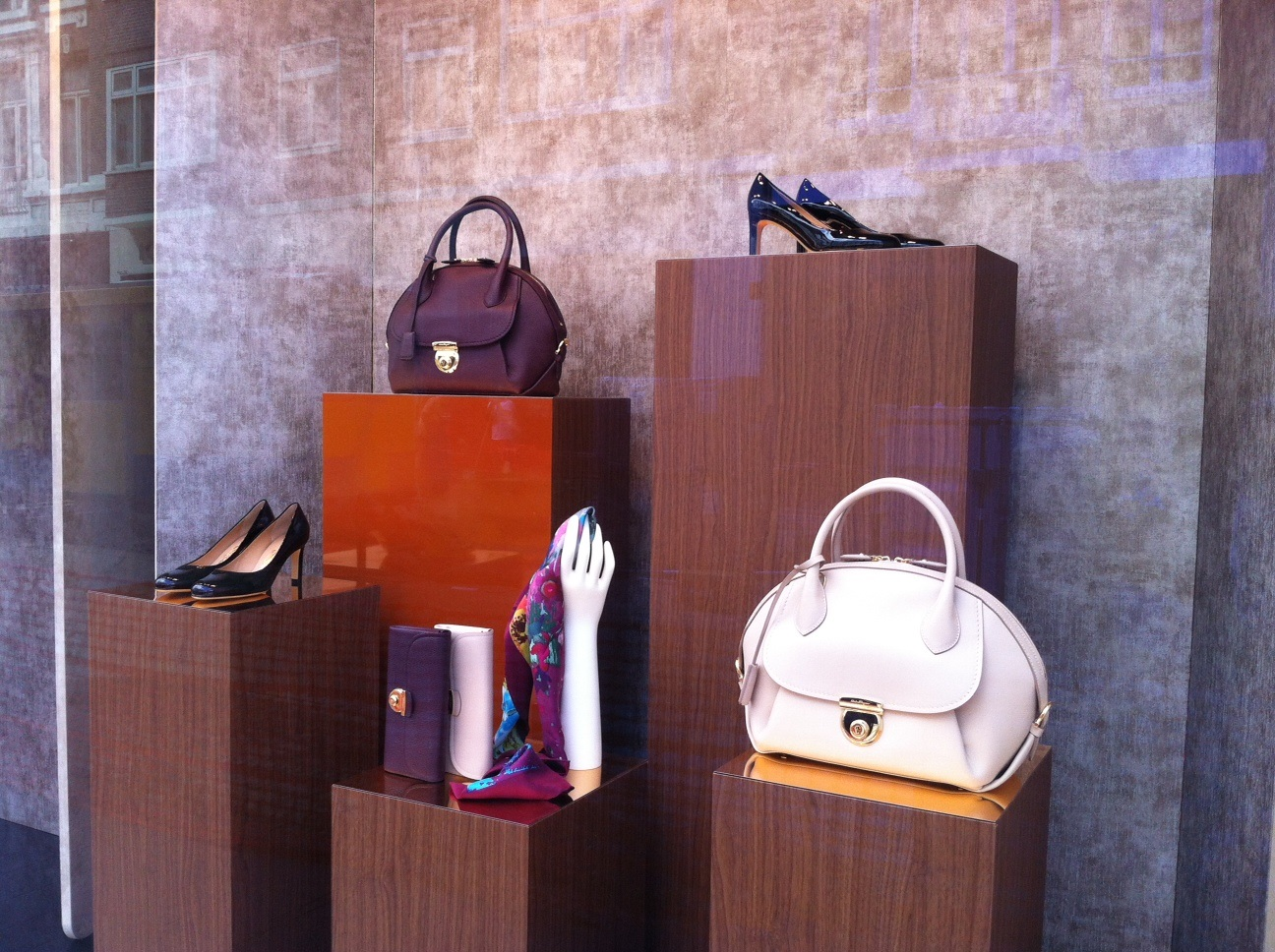 P.C. Hooftstraat: luxury shopping in Amsterdam, Louis Vuitton, Chanel, Gucci, Fendi, Cartier